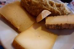 polenta e formaggi d\'alpeggio